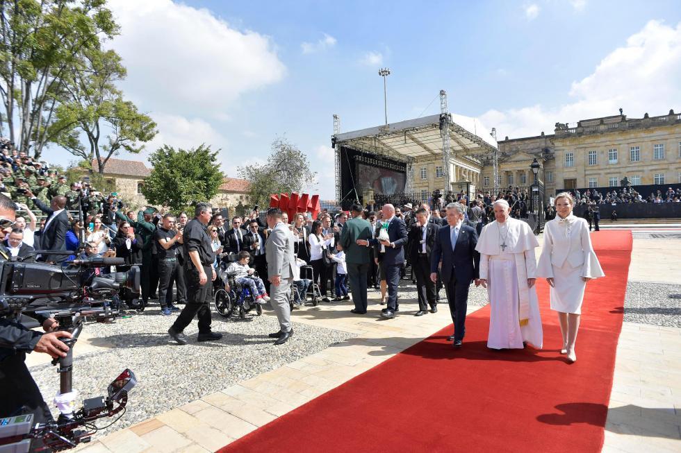 Bogotà, 7 settembre: Papa Francesco incontra le autorità