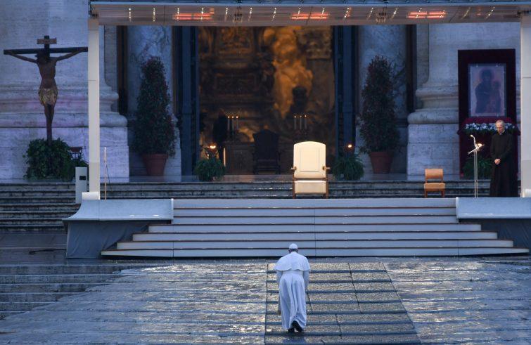 Papa Francesco: in tempo di Covid-19 un magistero di accompagnamento e  condivisione | AgenSIR