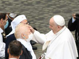 """Papa Francesco: """"Il Signore non va mai in pensione"""""""